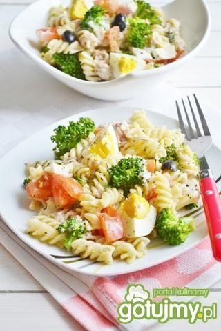 Makaron z tuńczykiem i warzywami