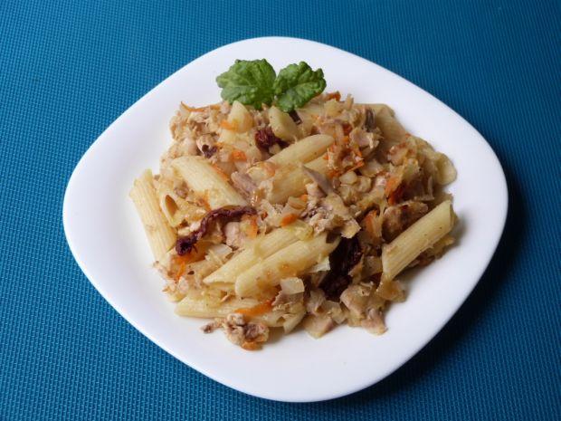 Makaron z warzywami i mięsem