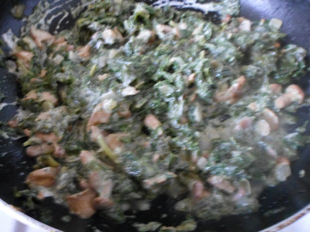 Makaron ze szpinakiem i kurkami