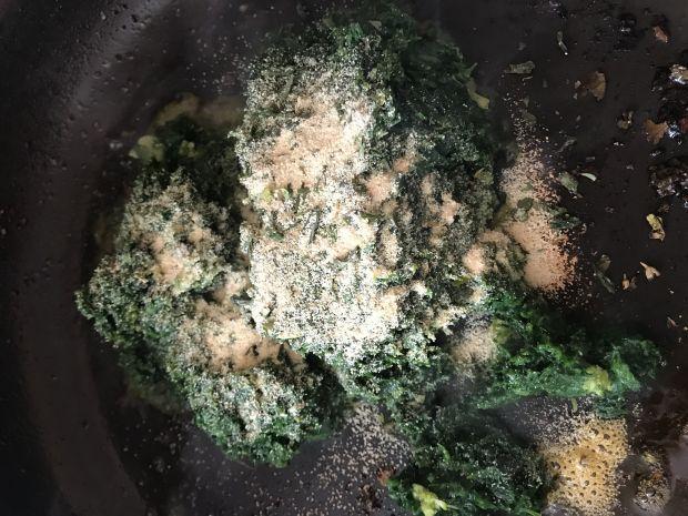Makaron ze szpinakiem i ziołami