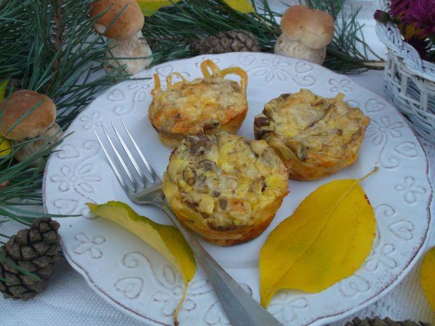 Makaronowe muffinki z grzybami