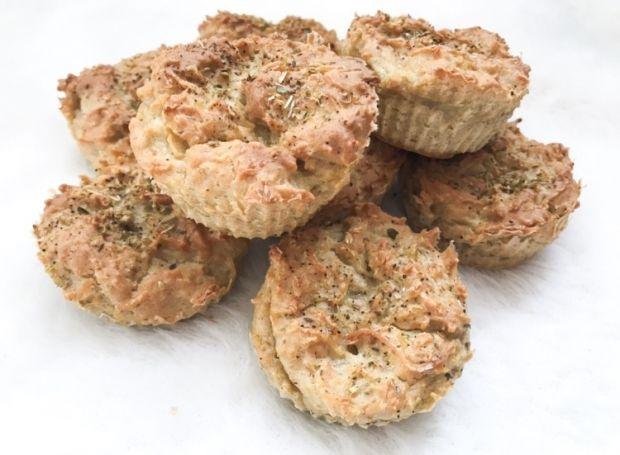 Makaronowe muffinki z pasztetem