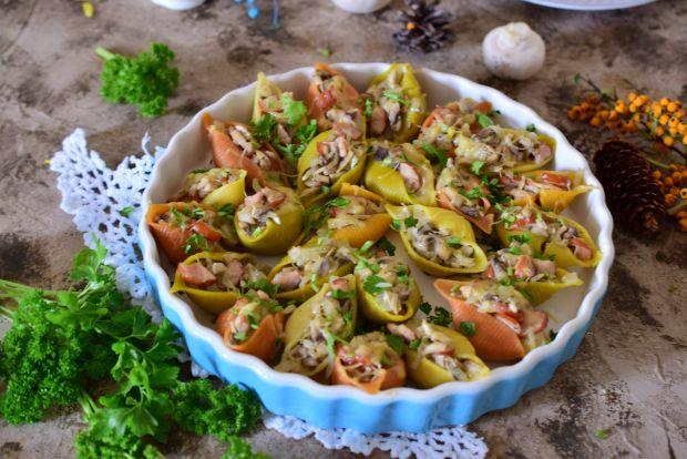 Makaronowe muszle z pieczarkami i serem