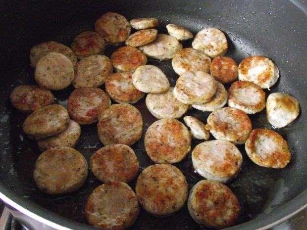 Makaronowy misz - masz z białą kiełbasą