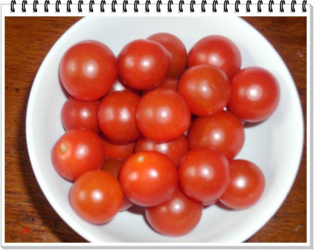 Makaton Eli z wędzonym kurczakiem i pomidorkami