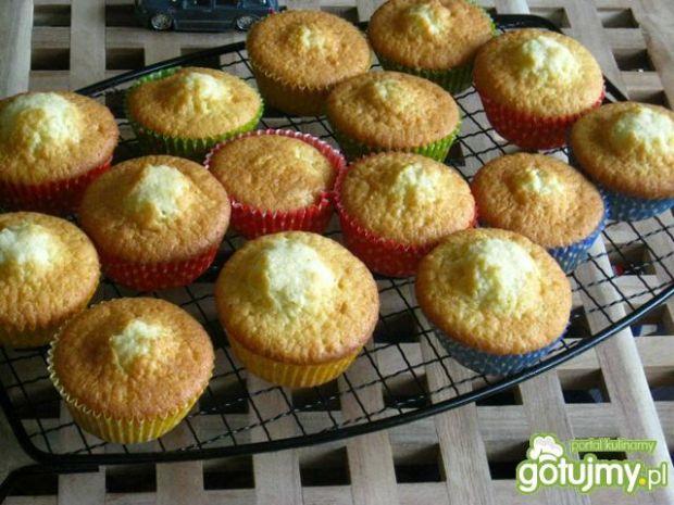Małe babeczki cup cakes