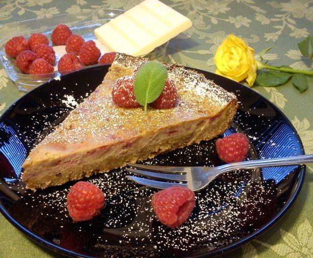 Malinowa tarta z białą czekoladą