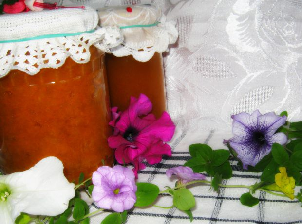 Marchewka, jabłka i dynia do słoika z odzysku