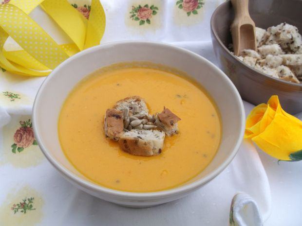 Marchewkowa zupa - krem z mleczkiem kokosowym