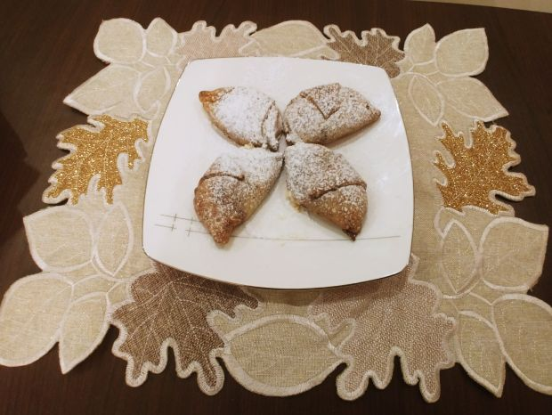 Marmurkowe kruche rogaliki z serem