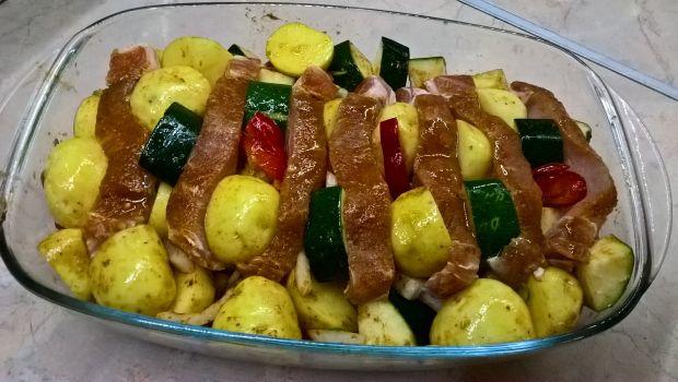Marynowany schab pieczony w warzywach