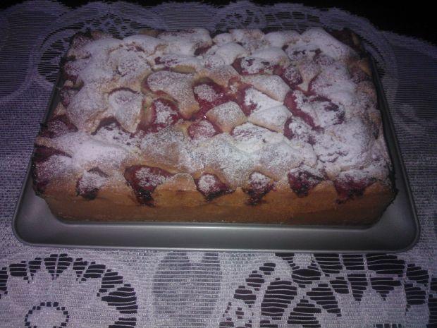 Maślane ciasto z truskawkami