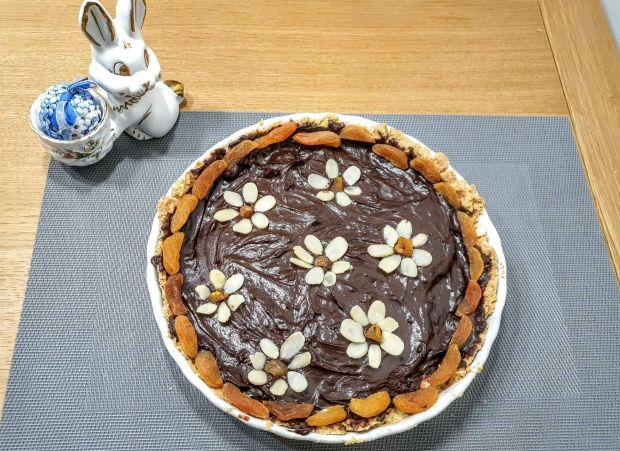 Mazurek czekoladowy z powidłami śliwkowymi