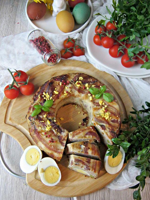 Mięsna babka z sosem tatarskim