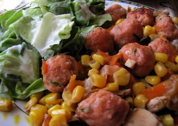 Mięsne kuleczki w kukurydzy