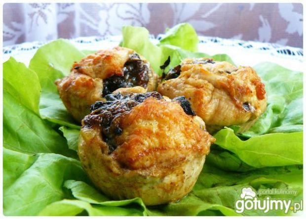Mięsne muffiny z pieczarkową niespodzian