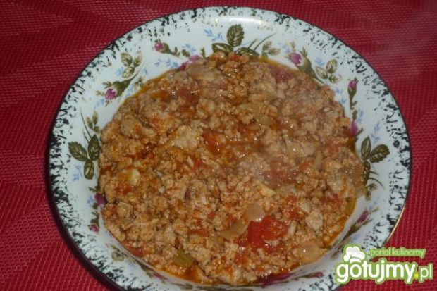Mięsno-pomidorowy sos do makaronu
