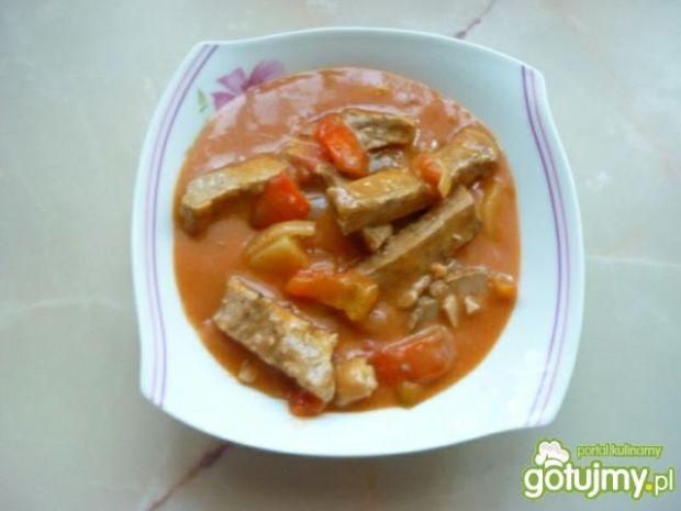 Mięso wieprzowe w sosie z papryką