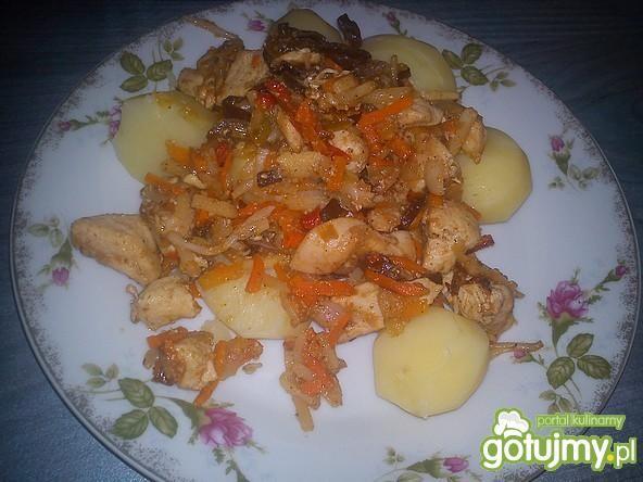 Mięso z warzywami na obiad