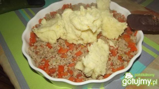 Mięso z warzywami zapiekane pod puree