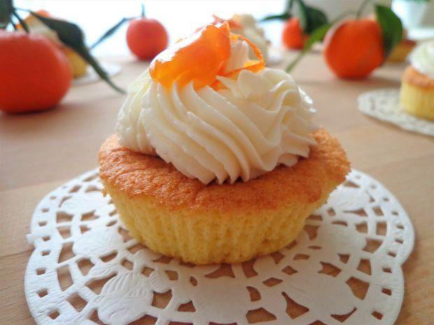 Migdałowe muffiny z mandarynkami, bez glutenu