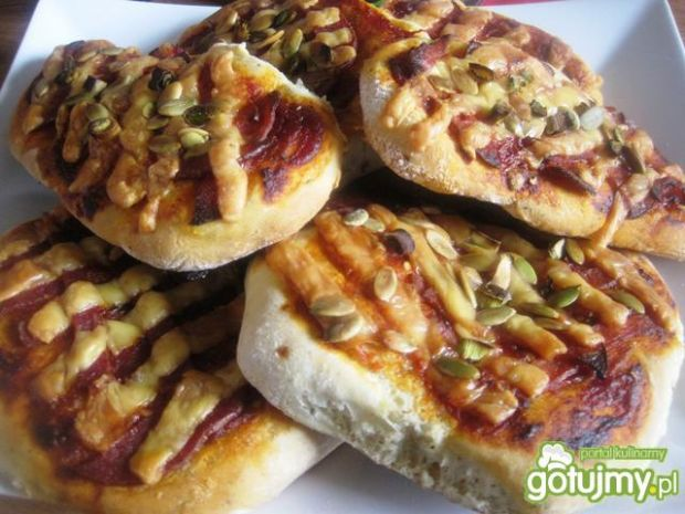 Mini pizza po bałkańsku