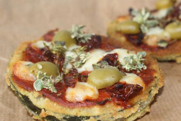 Mini pizze na spodzie z cukinii