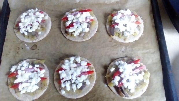 Mini pizzerki z cukinią i grzybami
