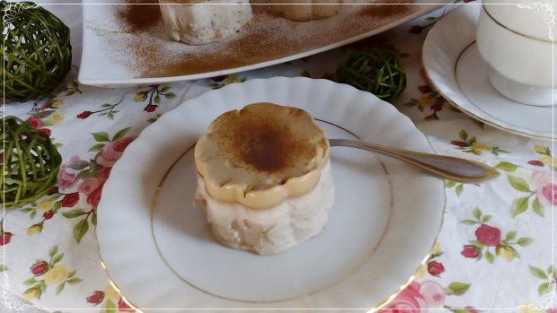 Mini serniczki bananowe z kawową pianka