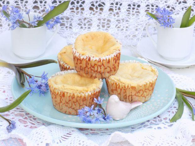 Mini-serniczki kajmakowe na biszkoptach