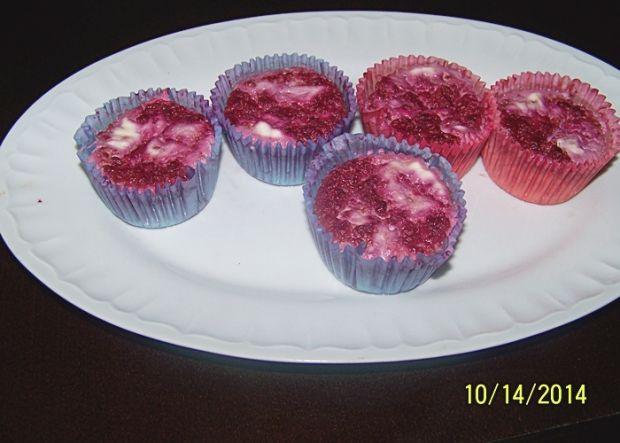 Mini serniczki z malinowym puree