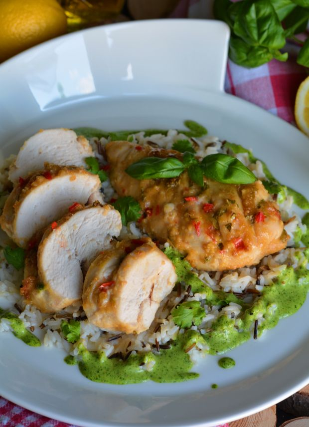 Miodowo - orzechowy kurczak w sosie bazyliowym