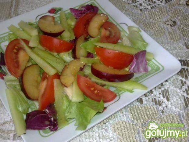Mix Sałat z Pomidorem i Śliwką