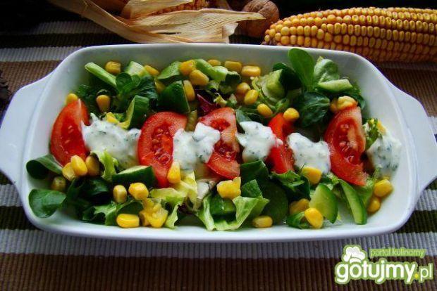 Mix sałat z sosem czosnkowym