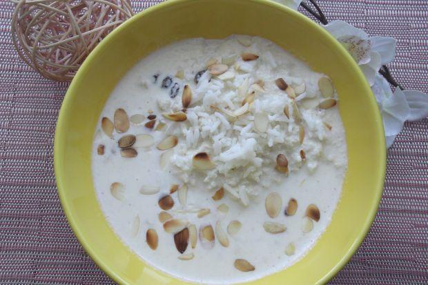 Mleczna zupa migdałowa
