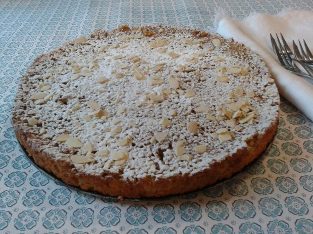 Mleczny tort z kaszy jaglanej i czekolady
