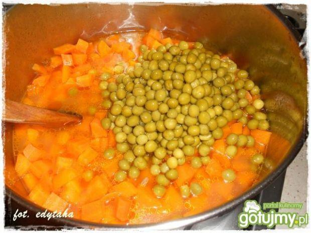 Młoda marchewka z groszkiem 2