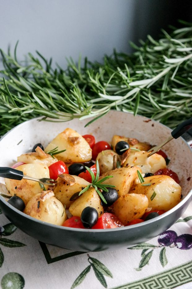 Młode ziemniaki po śródziemnomorsku
