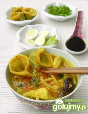 Moja zupa bambusowa z uszkami grzybowymi