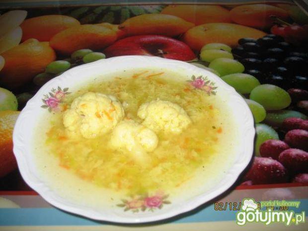 Moja zupa kalafiorowa z lanymi kluskami