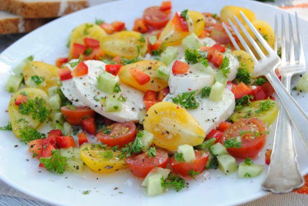 Mozzarella w warzywnym sosie