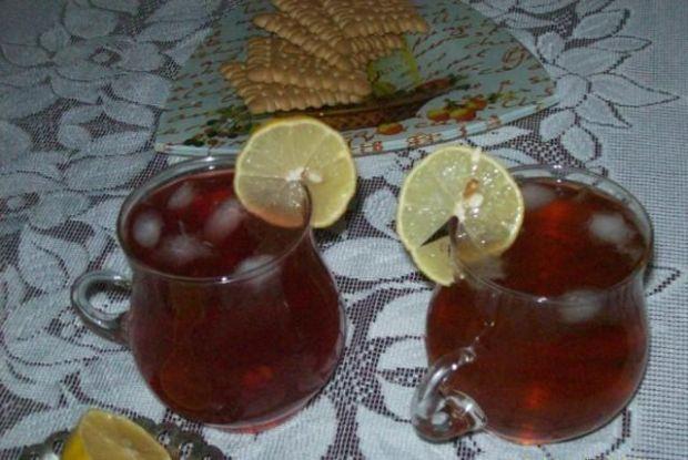 Mrożona herbata z kardamonem