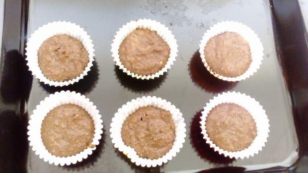 Muffinki brownie z kremem morelowym
