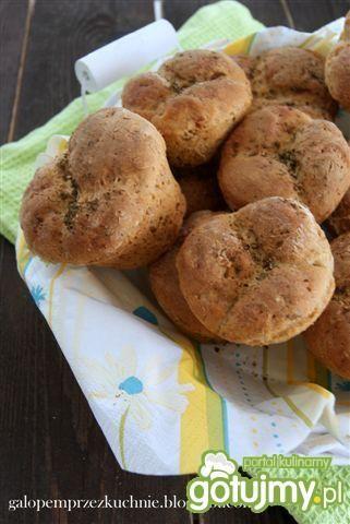 Muffinki chlebowe z prażoną cebulką