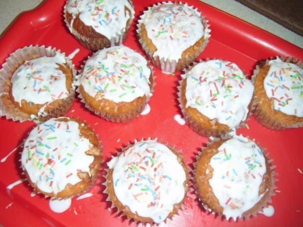 Muffinki cytrynowe z lukrem
