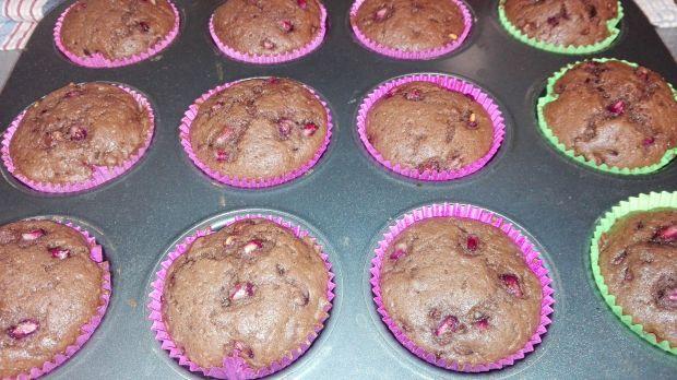 Muffinki czekoladowe z granatem