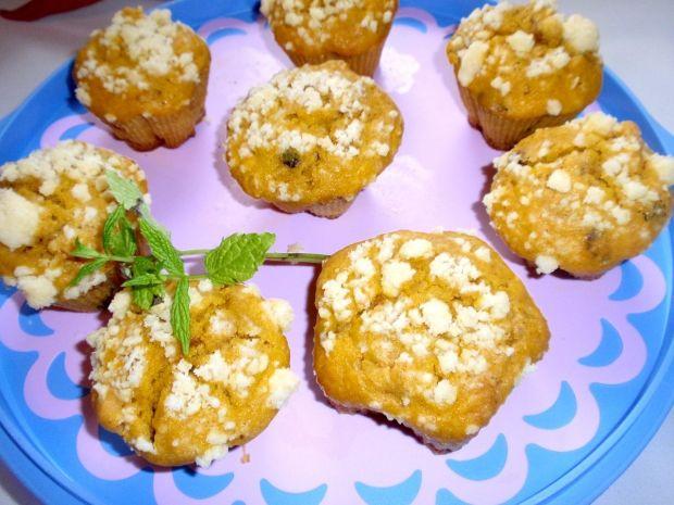 Muffinki dyniowo  orzechowe  z kruszonką