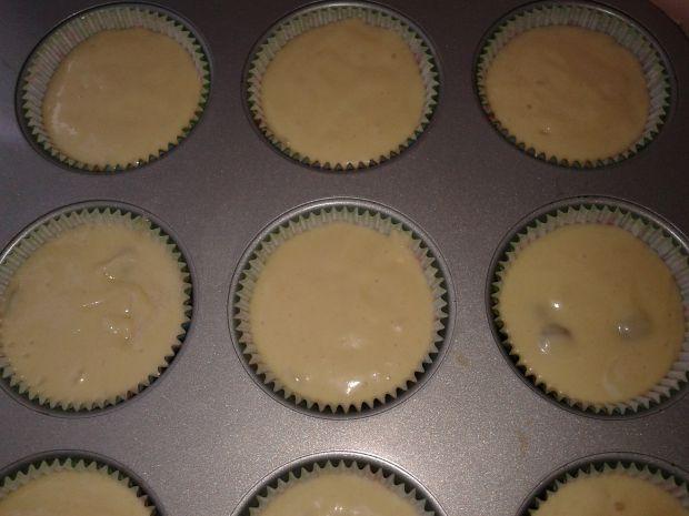 Muffinki jogurtowe z rodzynkami