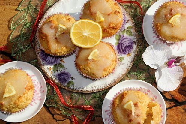 Muffinki kukurydziano-sojowe z lukrem cytrynowym