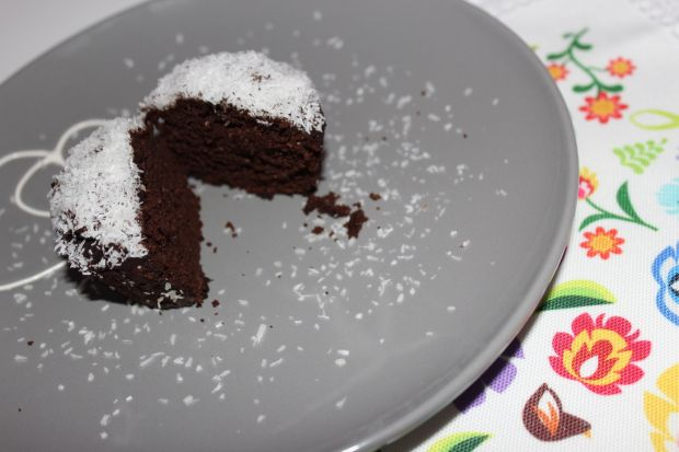 Muffinki mocno czekoladowe z kokosem